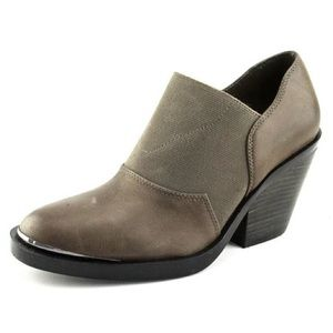 Naya Acre ankle bootie leather 7.5